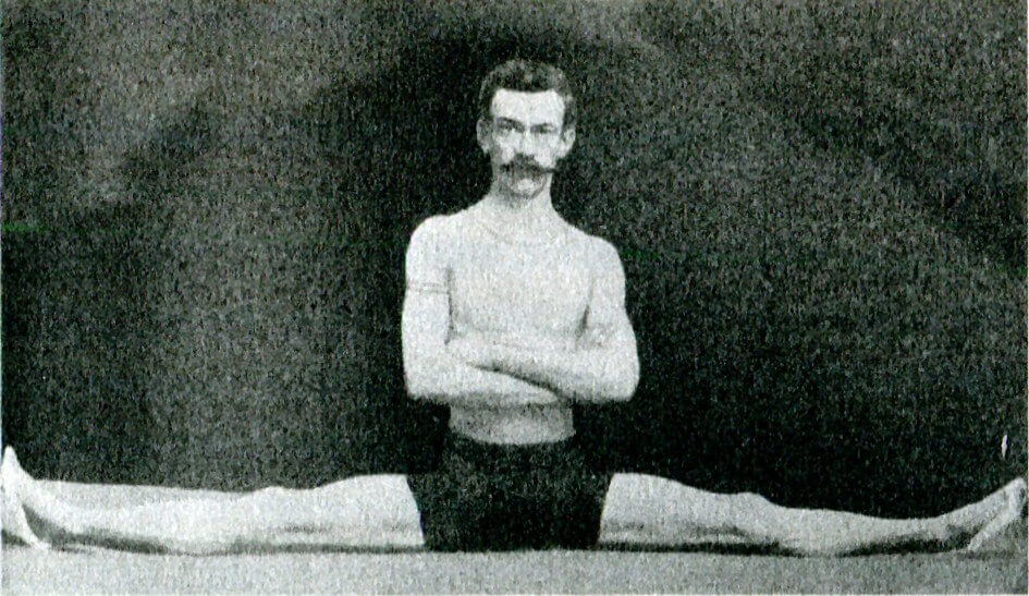 Thomas_Dwight_Contortionist_Hanumanasana_1889
